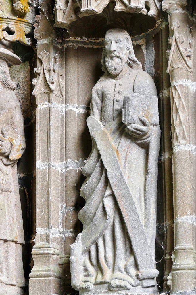 Un apôtre, Henry Prigent 1554-1565, intérieur du porche de Landivisiau. Photographie lavieb-aile 2017.
