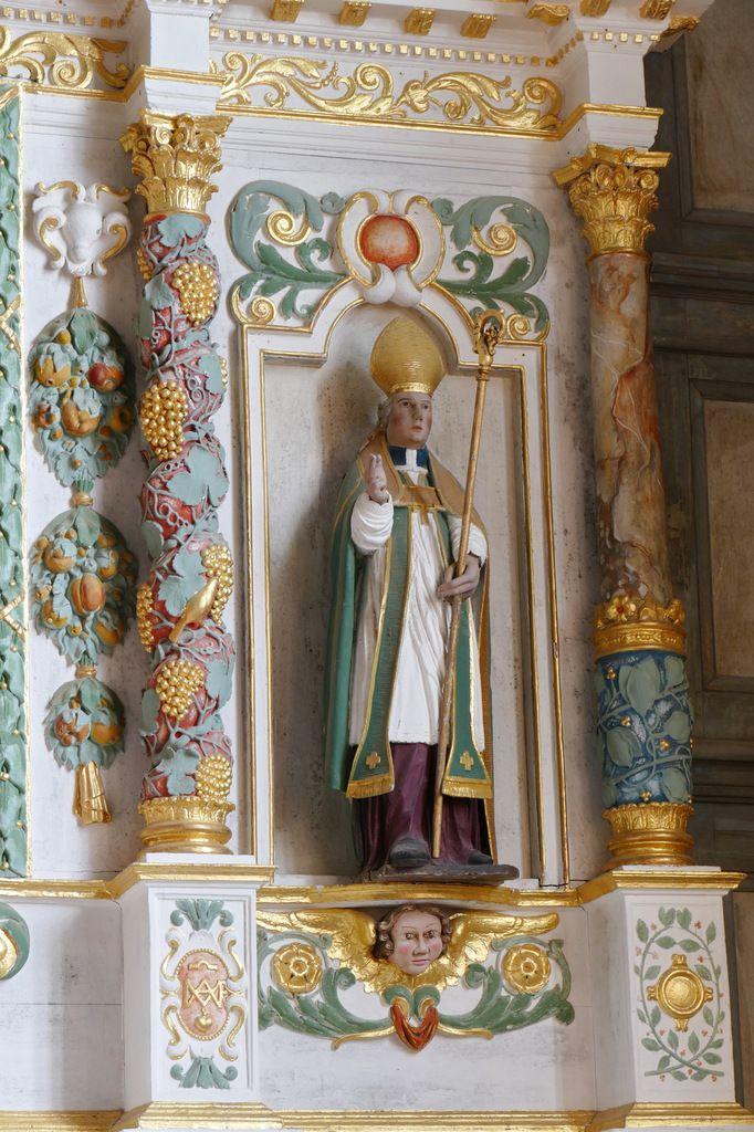 Statue dite de saint Aubin (saint Divy ?), Retable de la Trinité. Église de Dirinon. Photographie lavieb-aile 2017.