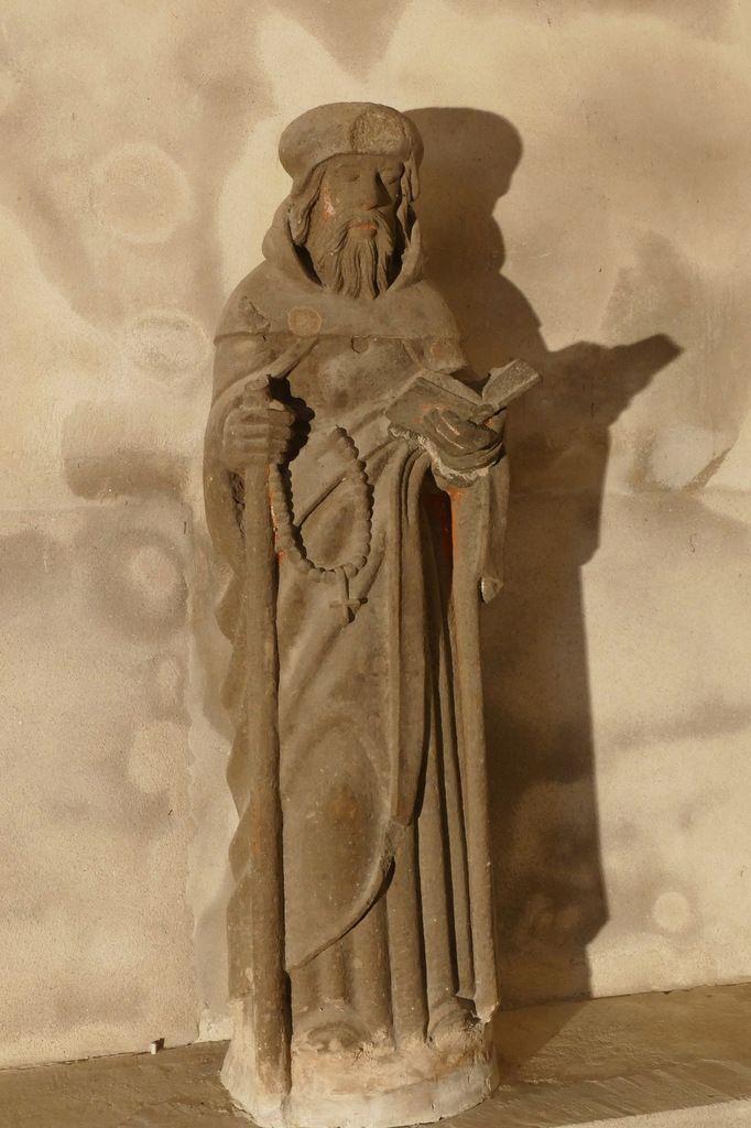 Saint Antoine, kersanton, œuvre de Bastien Prigent de Landerneau. Église de Dinéault. Photographie lavieb-aile février 2017.