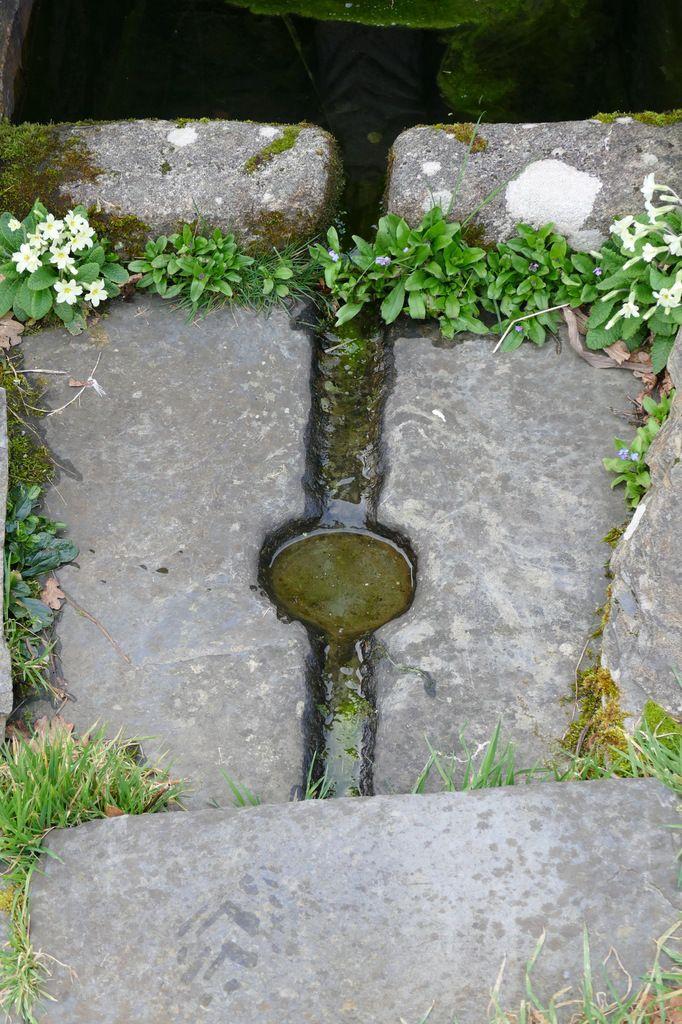Fontaine Saint-Exupère à Dinéault. Photographie lavieb-aile,