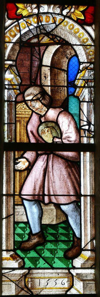 Vitrail de saint Yves entre le Pauvre et le Riche, chapelle saint-Yves de la chapelle Saint-Herbot. Photographie lavieb-aile mars 2017.