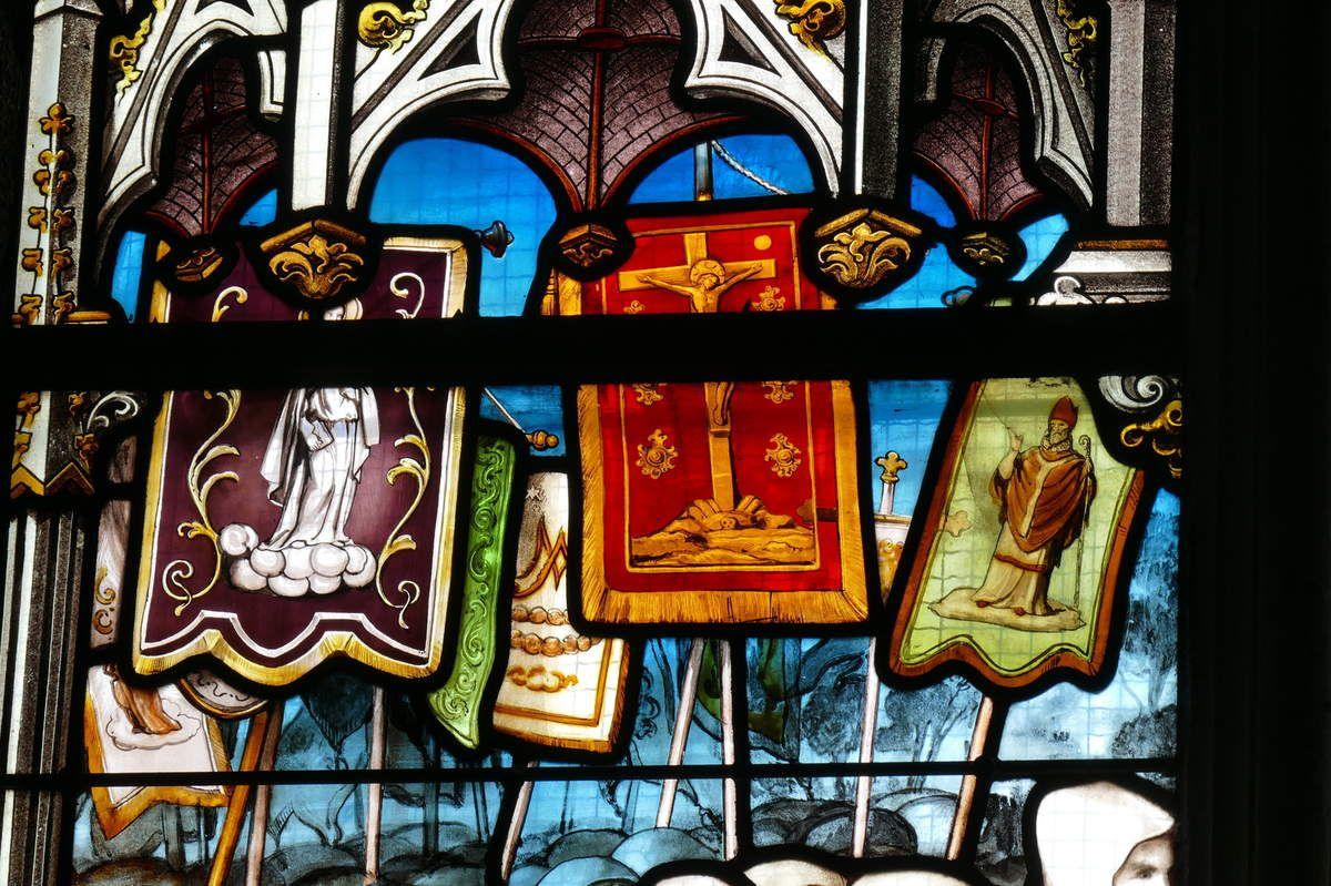 Première  lancette  de la verrière du Couronnement, Émile Hirsch 1889,  baie 6 de la basilique du Folgoët. Photographie lavieb-aile mai 2017.