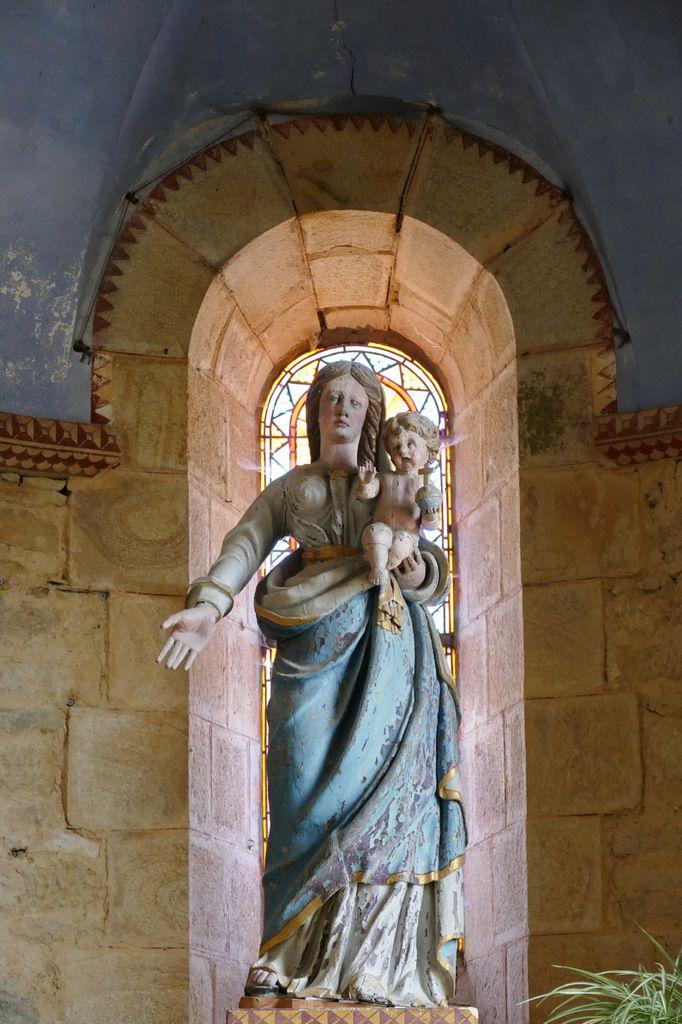 Vierge à l'Enfant, ancienne abbatiale Notre-Dame, Daoulas. Photographie lavieb-aile juin 2017.