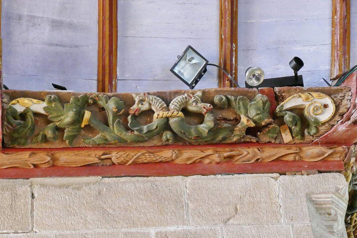 Coté occidental du bras sud du transept, église Saint-Germain de Pleyben. Photographie lavieb-aile 2017.