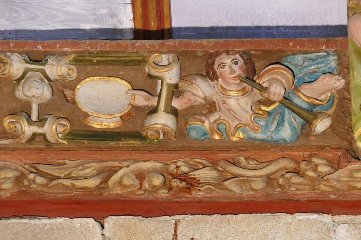 Le cuir découpé Le Pichet et la Coupe,  bois polychrome, Maître de Pleyben vers 1571, coté oriental du bras sud du transept, église Saint-Germain de Pleyben. Photographie lavieb-aile 2017.