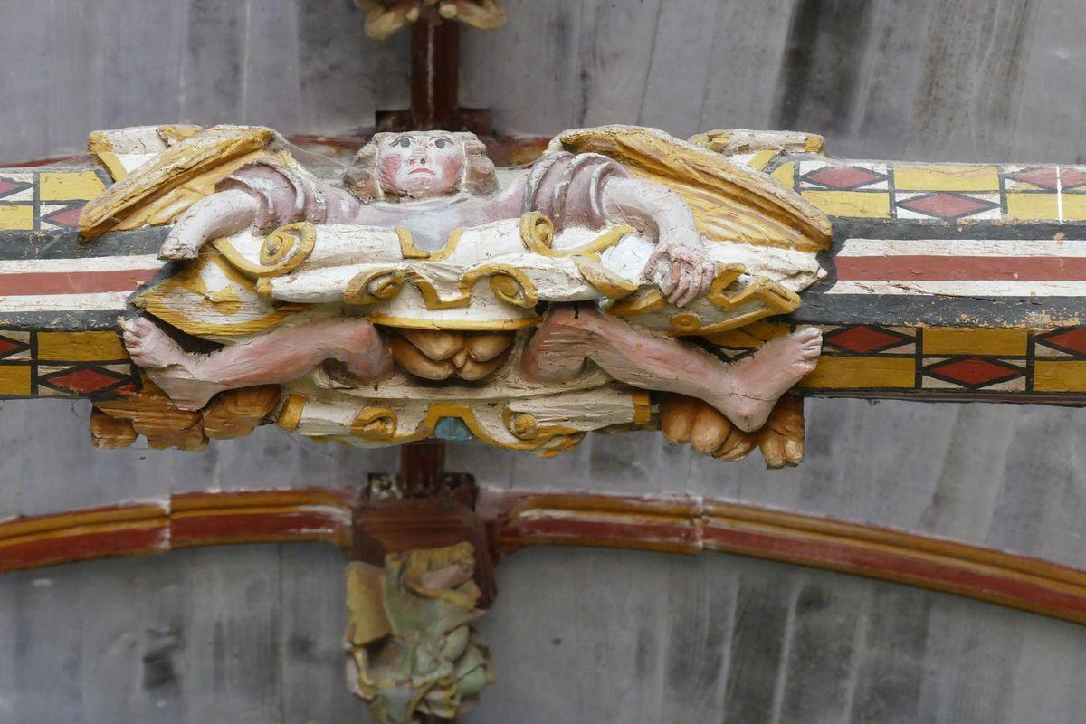 Nœud central de l'entrait du bras sud du transept, église Saint-Germain de Pleyben. Photographie lavieb-aile 2017.
