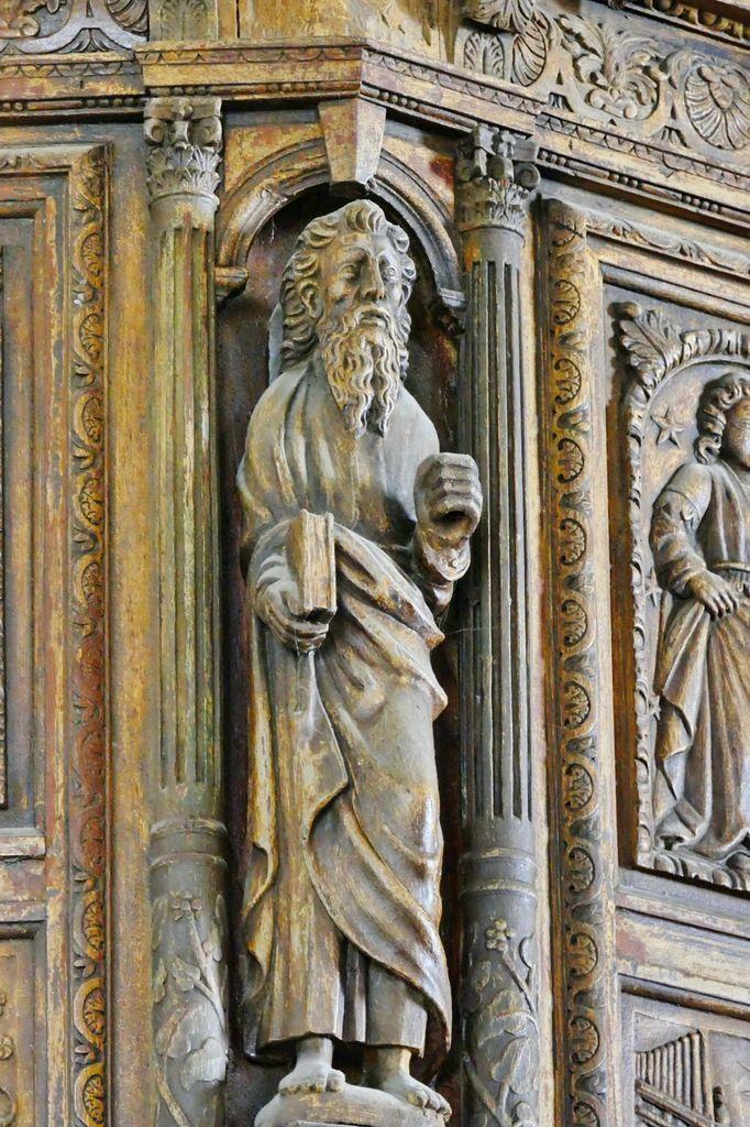 L'apôtre qui marque la transition entre le pan coupé sud, et la façade, tribune de l'orgue (1606), église Notre-Dame de Croas-Batz. Photographie lavieb-aile juillet 2017.