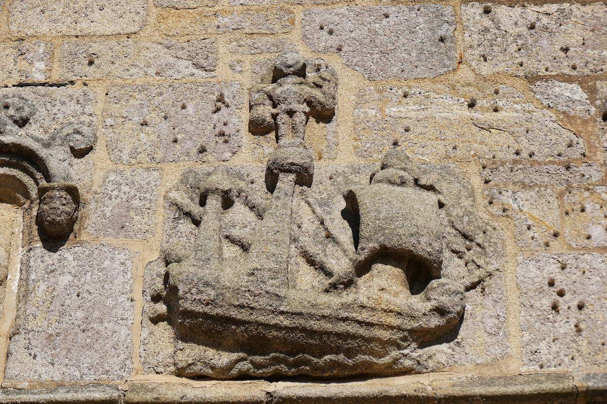 Carvelle du porche occidental de l' église Notre-Dame de Croas-Batz. Photographie lavieb-aile juillet 2017.