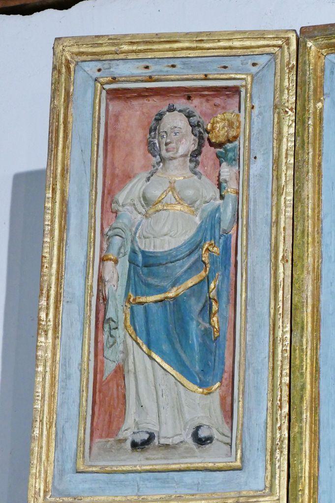 La Sibylle d'Erythrée avec sa fleur, volets gauches du retable de l'Arbre de Jessé, bois polychrome, vers 1576-1580,   chapelle Notre-Dame-de-Berven. Photographie lavieb-aile juillet 2017.