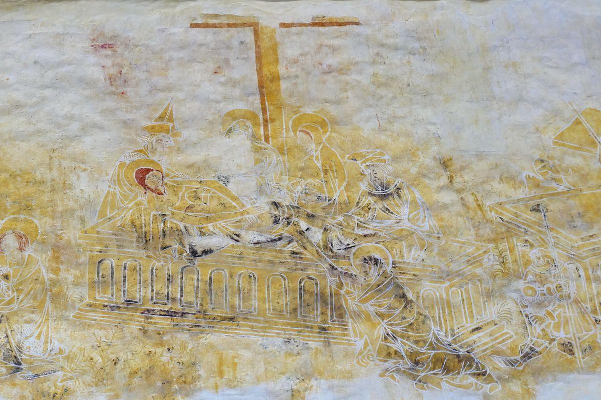 La Mise au Tombeau,   coté sud de la nef, peintures murales de la chapelle Saint-Jacques à Saint-Léon, Merléac. Photographie lavieb-aile septembre 2017.