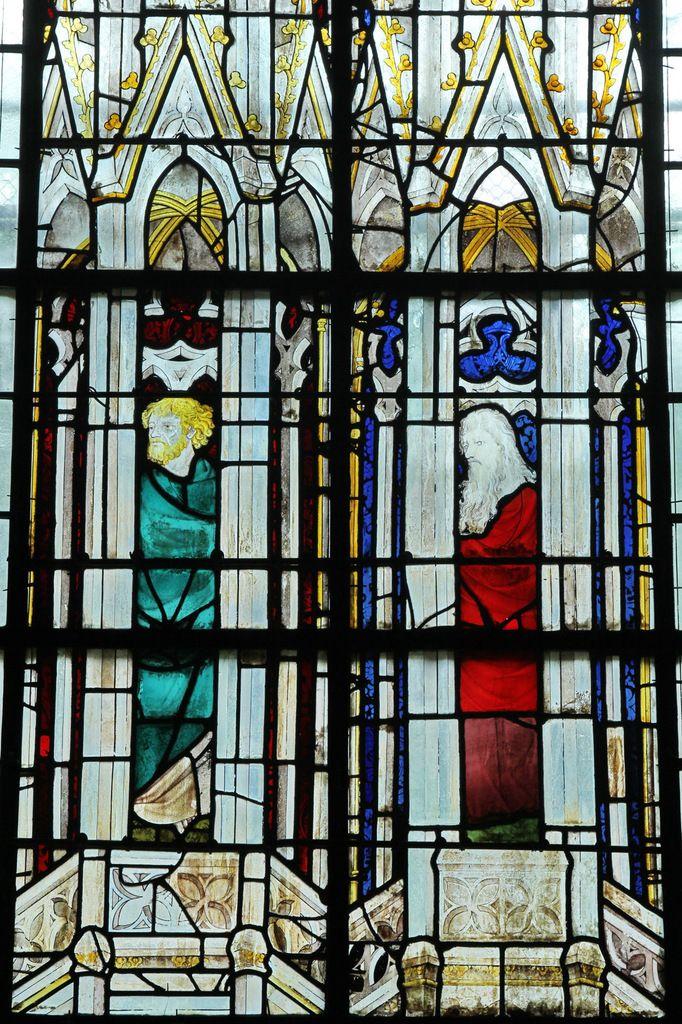 Baie 10, anciennes verrières (avant 1405) de la Sainte-Chapelle de Bourges, crypte de la cathédrale de Bourges. Photographie lavieb-aile 2014.