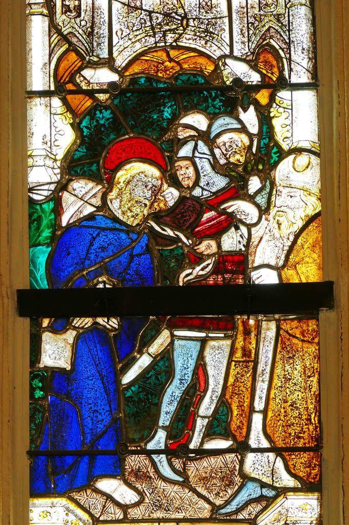 L'Arrestation de saint Jacques, Maîtresse-vitre ou baie 0 (G. Béart, 1402) de la chapelle Saint-Jacques à Merléac. Photographie lavieb-aile septembre 2017.