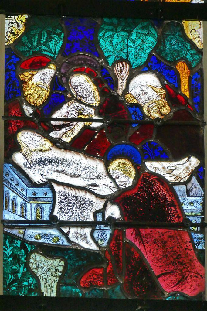 La Mise au tombeau, registre de la Passion, maîtresse-vitre (Guillaume Béart, 1402) de la chapelle Saint-Jacques de Merléac. Photographie lavieb-aile septembre 2017.