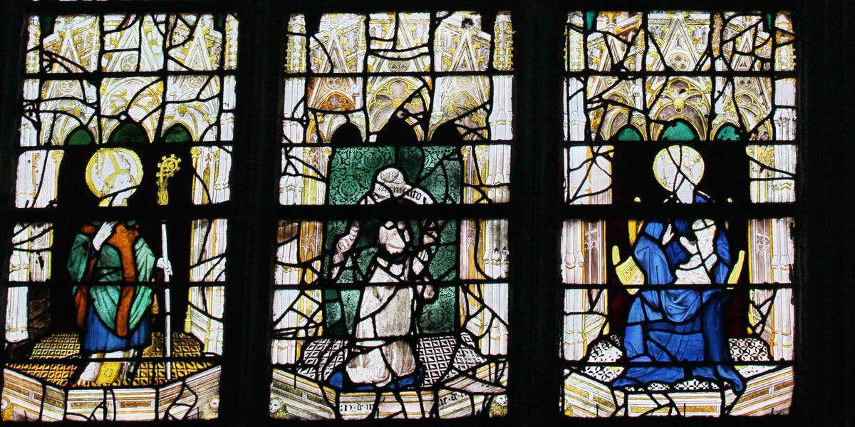 La baie 17 (1360-1370 ) de la chapelle du Rosaire, cathédrale d'Évreux. Photographie lavieb-aile mai 2014.