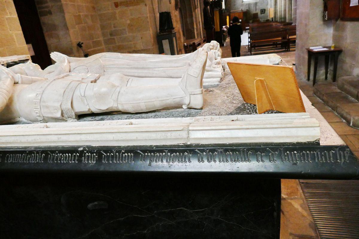Cénotaphe d'Olivier de Clisson et de Marguerite de Rohan, église Notre-Dame-du-Roncier à Josselin. Photographie lavieb-aile octobre 2016.