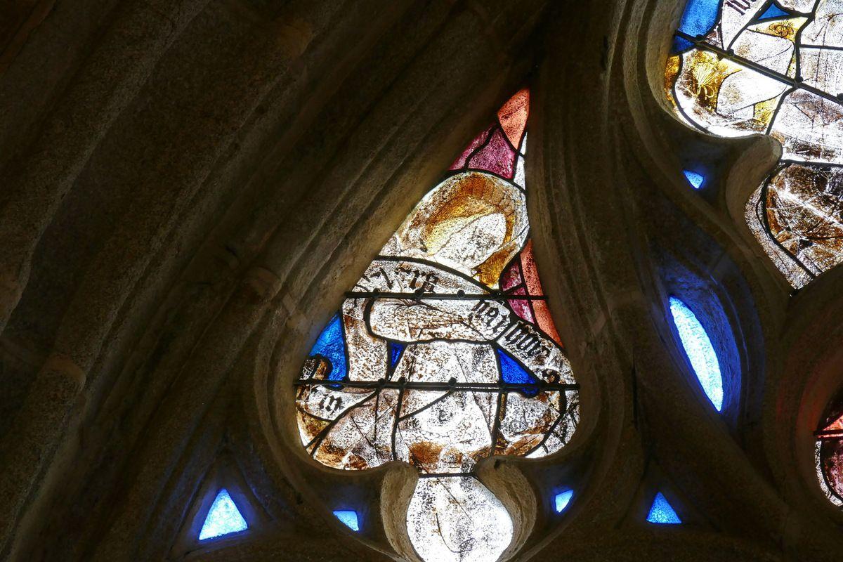 Tympan de la maîtresse-vitre (vers 1476-1479) de l'église de Locronan. Photographie lavieb-aile novembre 2017.
