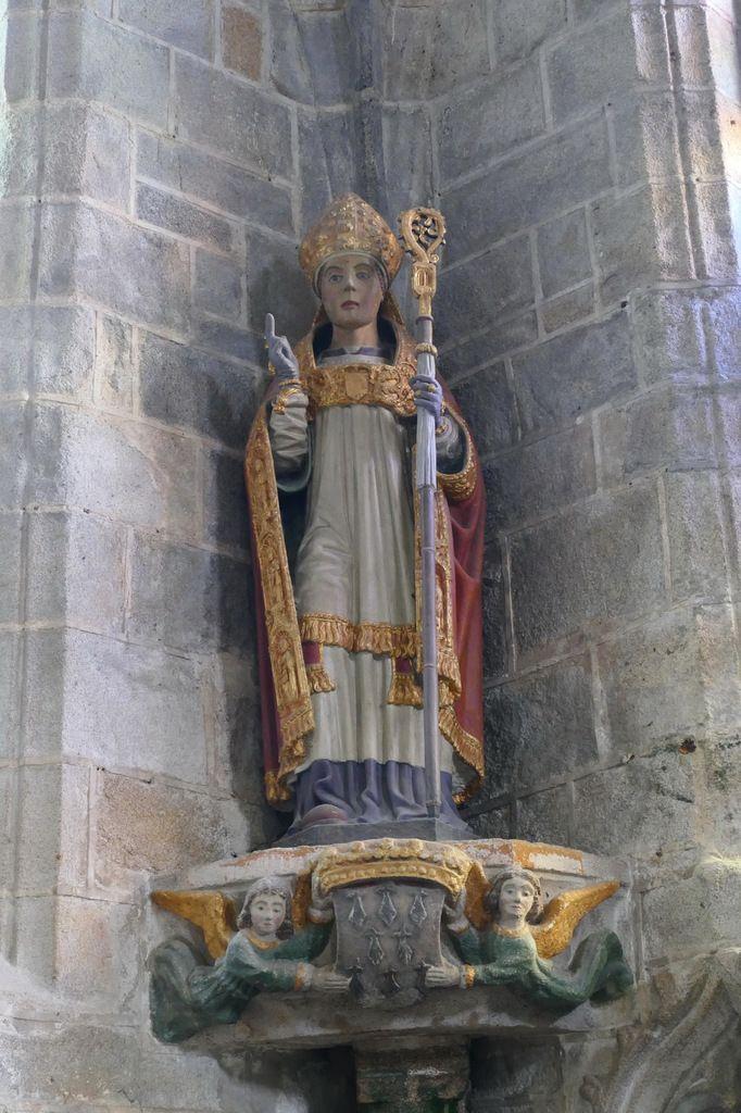 Statue de  saint Ronan dans la chapelle du Pénity, église de Locronan. Photographie lavieb-aile novembre 2017.