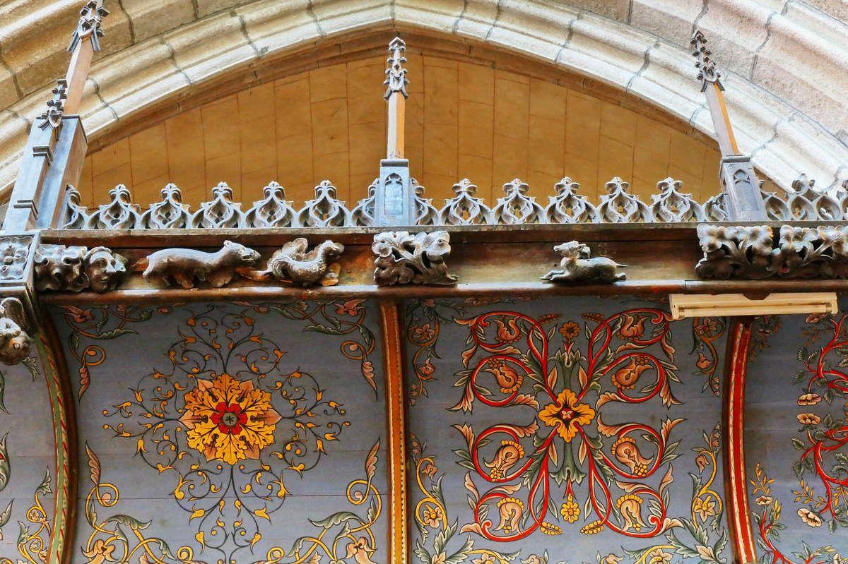 Frise de dais des stalles sud de la cathédrale de Saint-Pol-de-Léon. Photographie lavieb-aile juillet 2017.