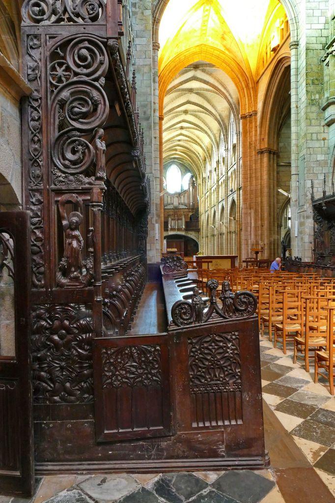 Jouée haute sud-estdes stalles sud de la cathédrale Saint-Pol-de-Léon. Photographie lavieb-aile juillet 2017.