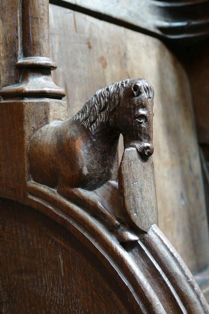 Appui-main n°49, stalles nord de l'ancienne cathédrale de Saint-Pol-de-Léon. Photographie lavieb-aile juillet 2017.