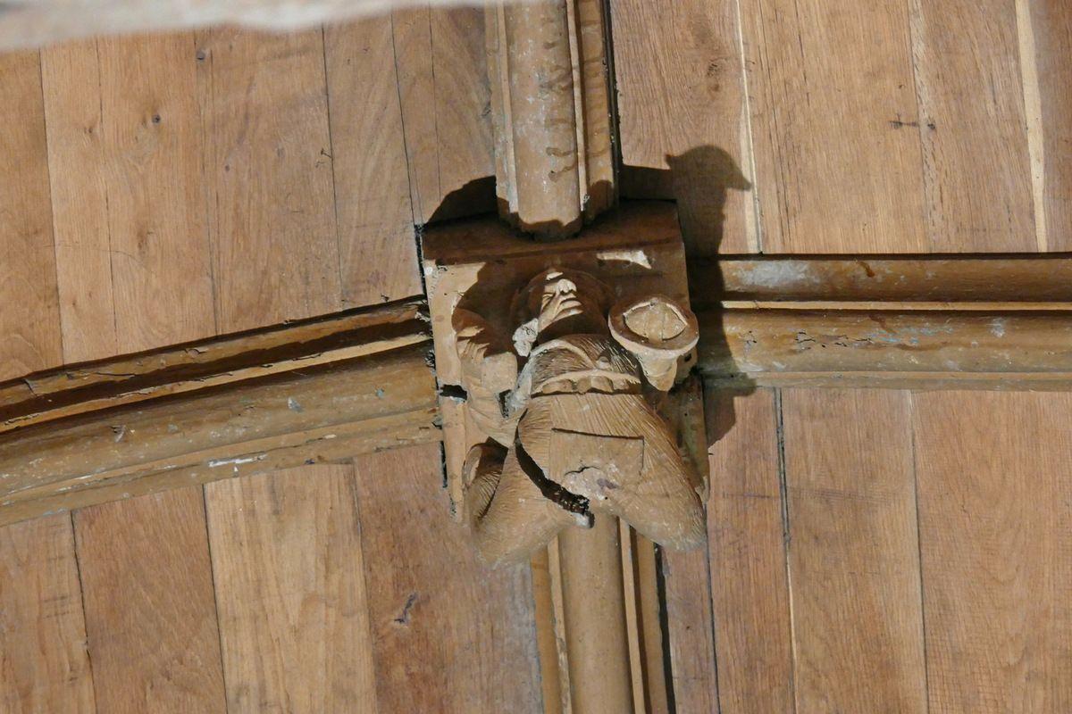 About de poinçon (1508) de la voûte lambrissée de l'église de Grâces. Photographie lavieb-aile 16 septembre 2017.