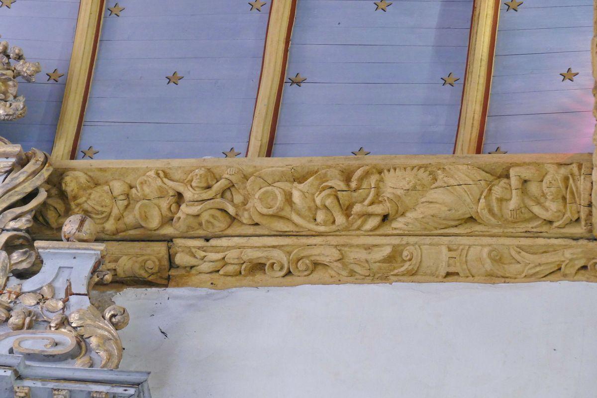 Sablière S10 du coté sud de l'église de Bodilis. Photographie lavieb-aile août 2017.