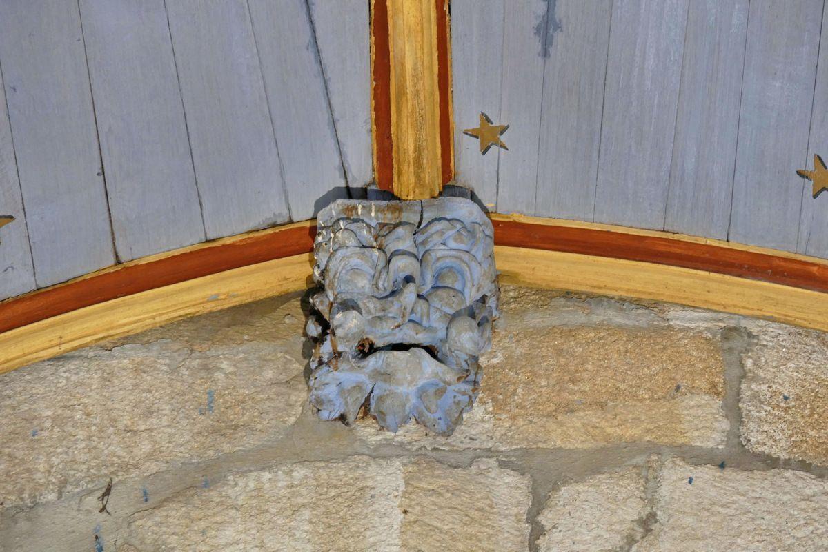 Masque P1, poinçon de la charpente de l'église de Bodilis. Photographie lavieb-aile avril 2018.