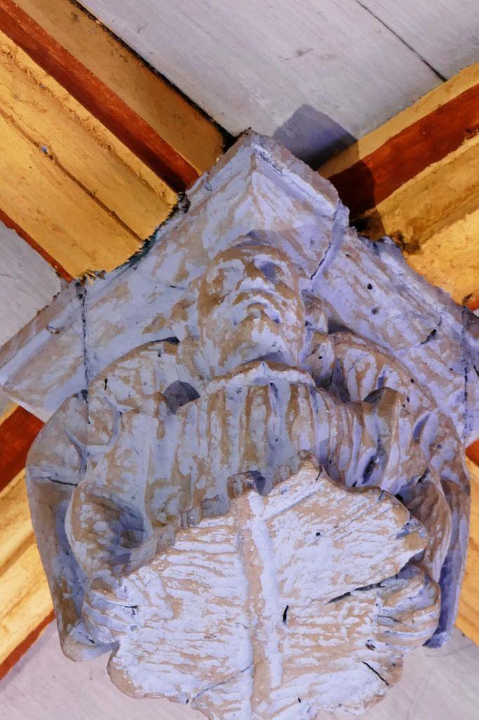 Ange , poinçon de la charpente de l'église de Bodilis. Photographie lavieb-aile avril 2018.