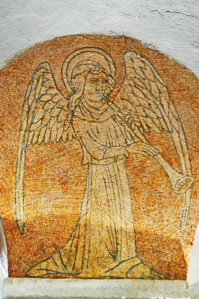 Ange musicien (vers 1412) de la crypte de la cathédrale de Bayeux. Photographie lavieb-aile septembre 2018.