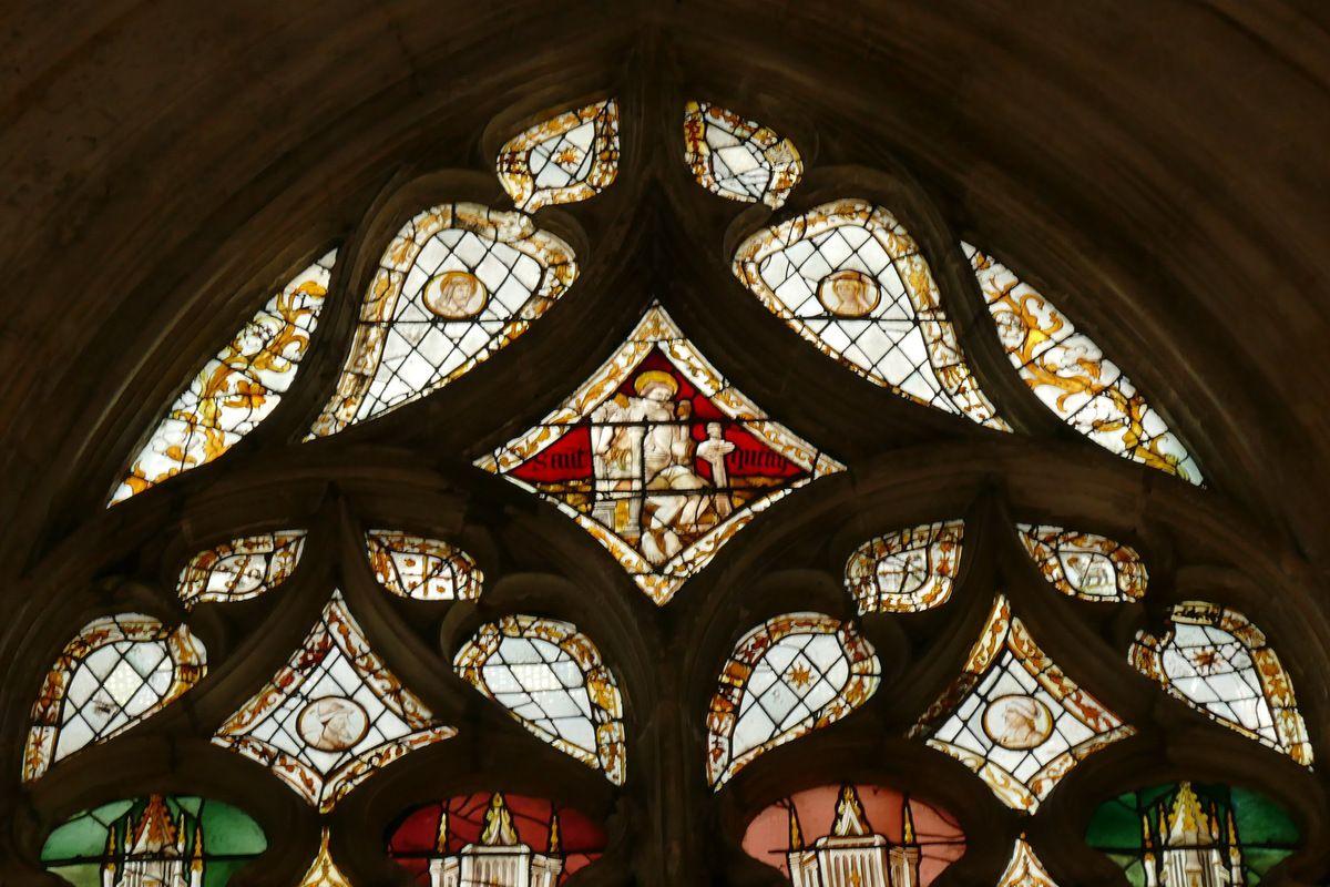 Verrière des quatre saints (1475, v.1525-1530, 1551), baie 17, Pont-Audemer. Photographie lavieb-aile août 2018.