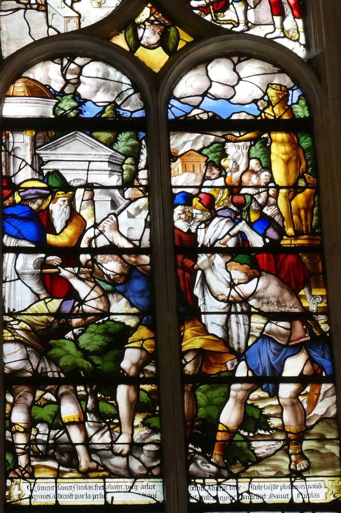 Verrière de saint Nicolas (vers 1556) , baie 9 de l'église Saint-Ouen de Pont-Audemer. Photographie lavieb-aile août 2018.