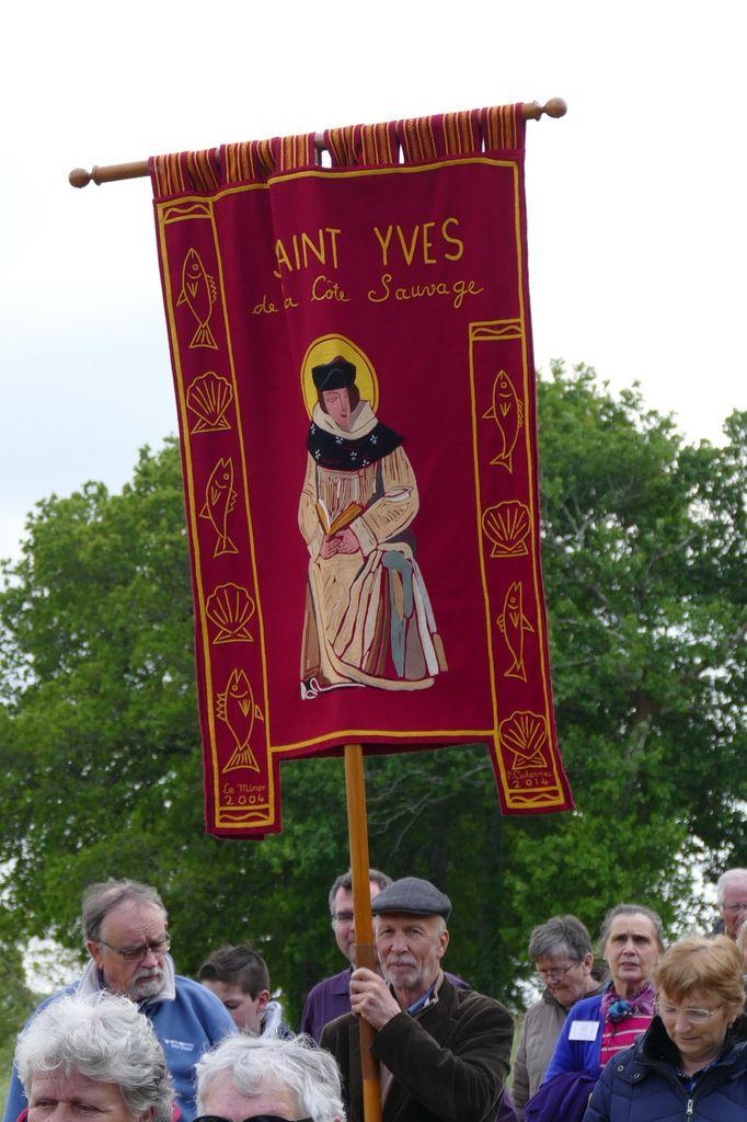 """Bannière de la paroisse Saint-Yves de la Côte Sauvage"""". Photographie lavieb-aile 1er mai 2019."""