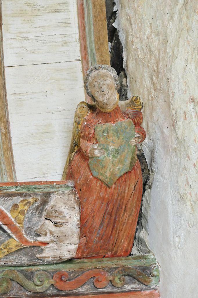 Charpente sculptée de la chapelle Saint-Sébastien en Saint-Ségal. Photographie lavieb-aile juin 2019.