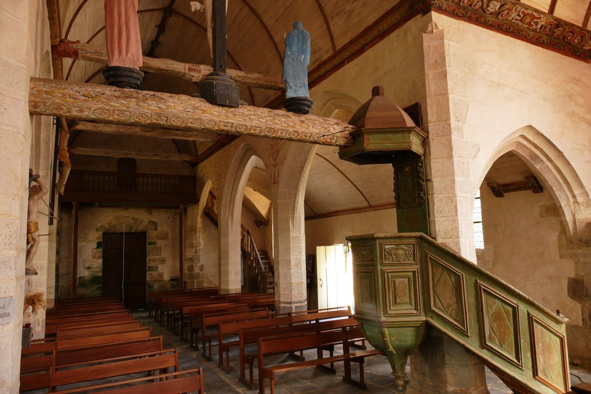 Chaire à prêcher de la chapelle Saint-Sébastien en Saint-Ségal. Photographie lavieb-aile juin 2019.