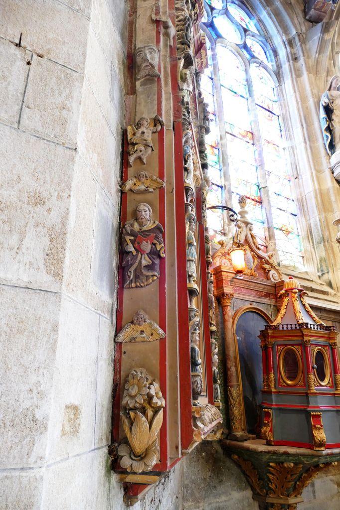 Sacraire du chœur de l'église de Pleyben. Photographie lavieb-aile 17 juillet 2019.