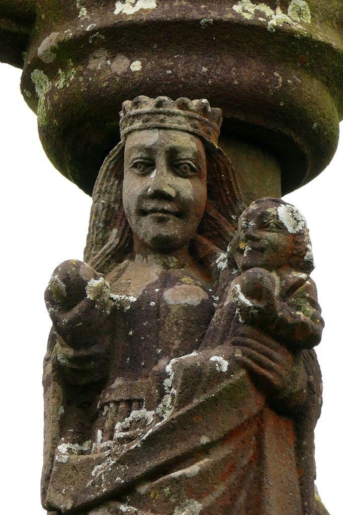 Calvaire (kersanton, 1544 et milieu XVIIe siècle) de Sainte-Marie du Ménez-Hom. Photographie lavieb-aile.