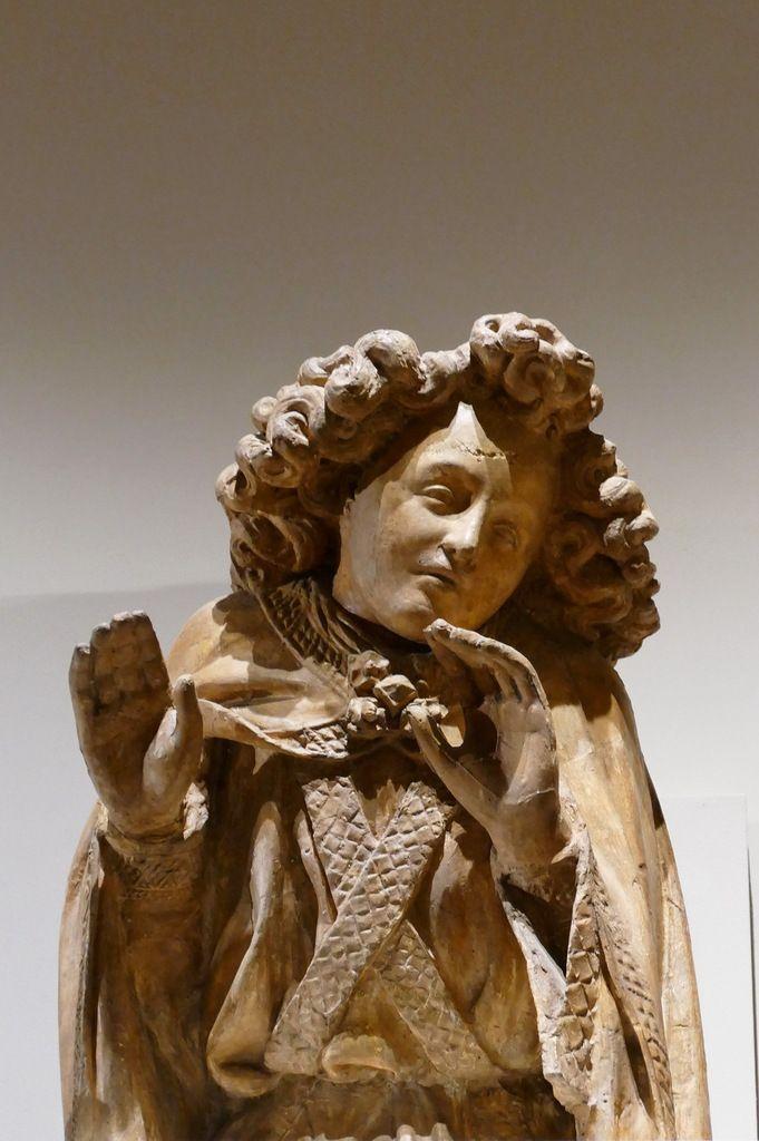Ange VIa entre Moïse et David, moulage vers 1880, plâtre patiné,  exposé au Musée des beaux-arts de Dijon. Photographie lavieb-aile août 2019.