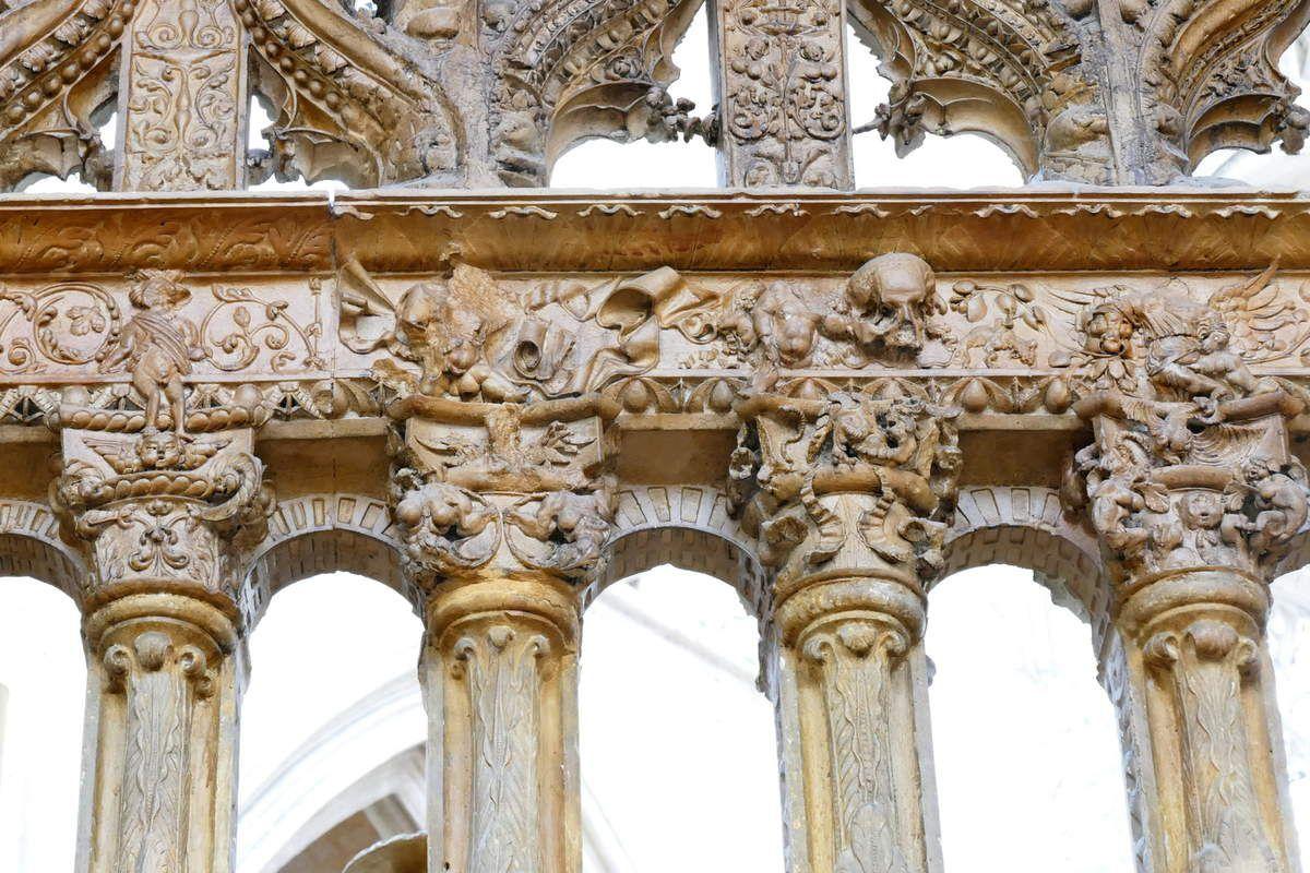 Clôture de chœur de l'église de la Trinité à Vendôme. Photographie lavieb-aile août 2019.