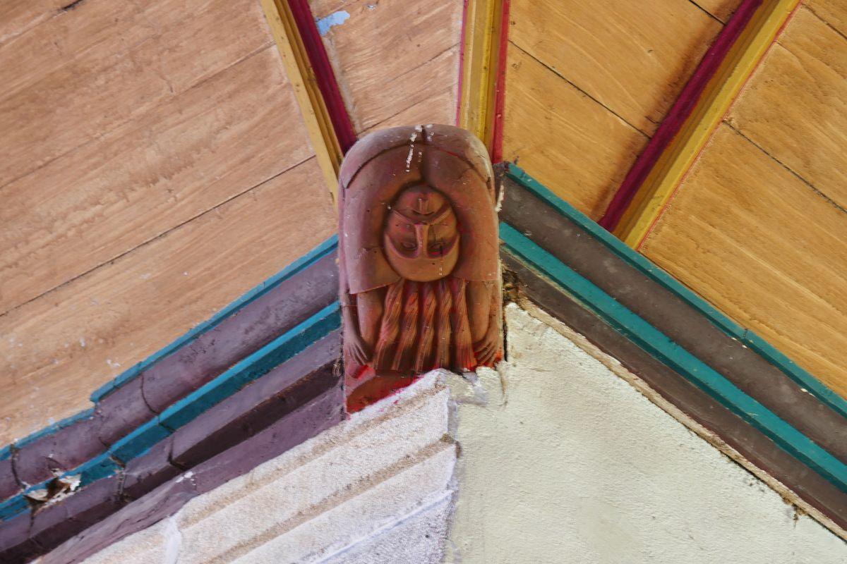 Blochet de l'église Saint-Mahouarn de Plomodiern. Photographie lavieb-aile.