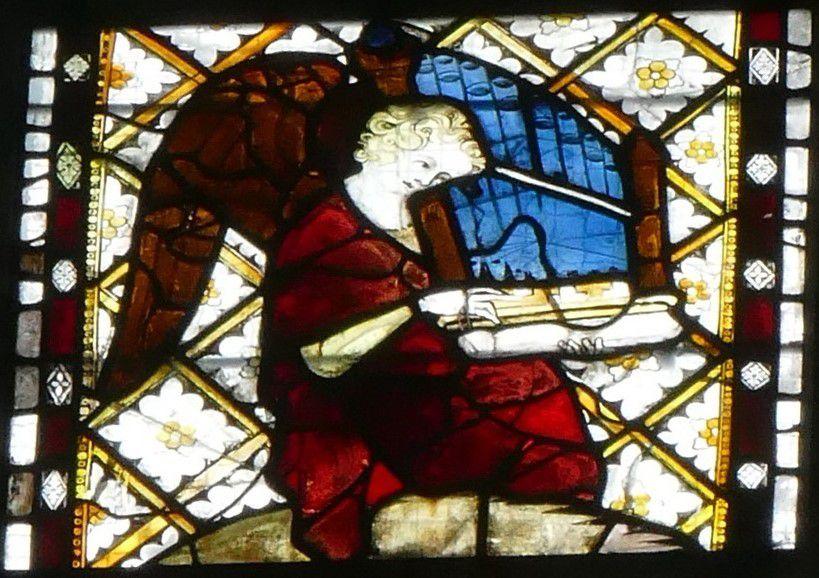 Baie 208 (vers 1325-1330 et 1390-1400) du chœur de la cathédrale d'Évreux. Photographie lavieb-aile.