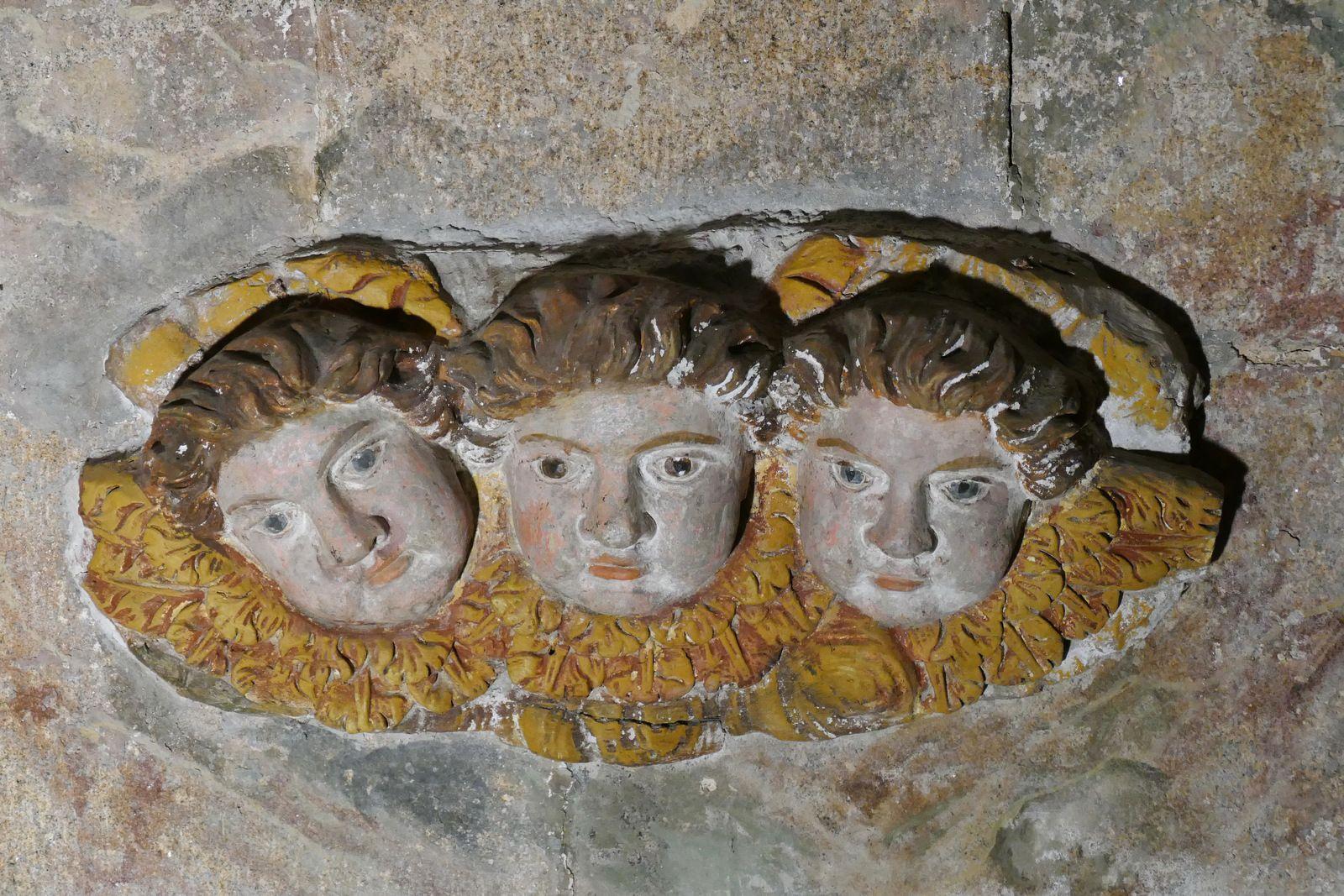 Angelots de l'autel Saint-Joseph de Notre-Dame de Roscudon à Pont-Croix. Photographie lavieb-aile.