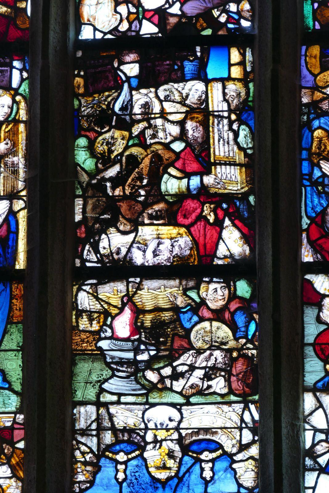 Les vitraux anciens de l'église Notre-Dame de Roscudon de Pont-Croix.