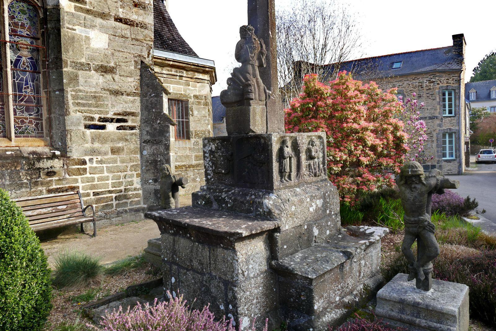 Calvaire (kersantite, 1552, Prigent) de l'église de Lopérec. Photographie lavieb-aile 2020.