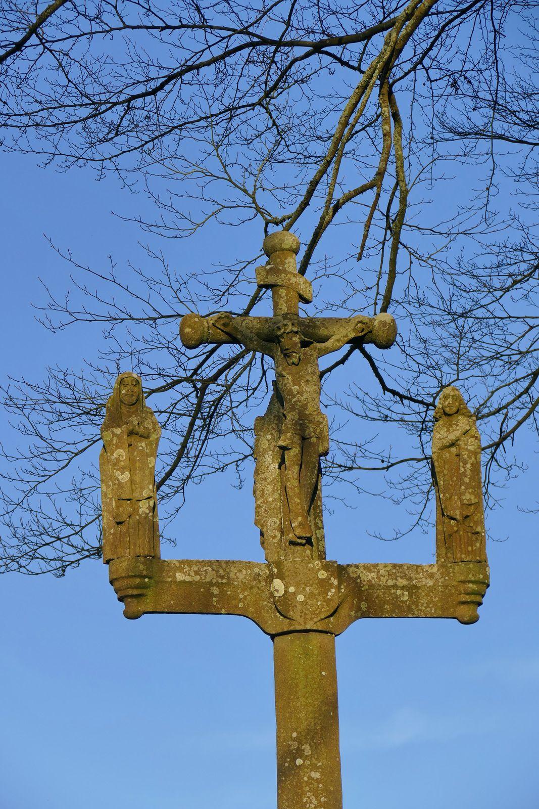 Calvaire (kersantite, Roland Doré, 1655?), chapelle Saint-Vendal. Photo lavieb-aile mars 2020.