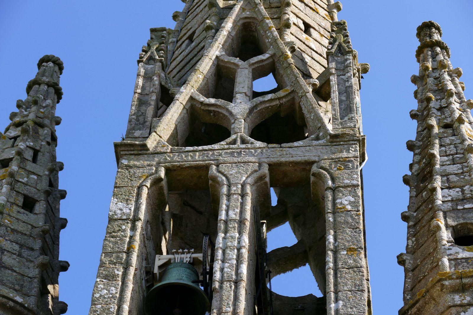 Les inscriptions lapidaires, la statuaire et les sablières  de l'église Saint-Germain de Kerlaz.