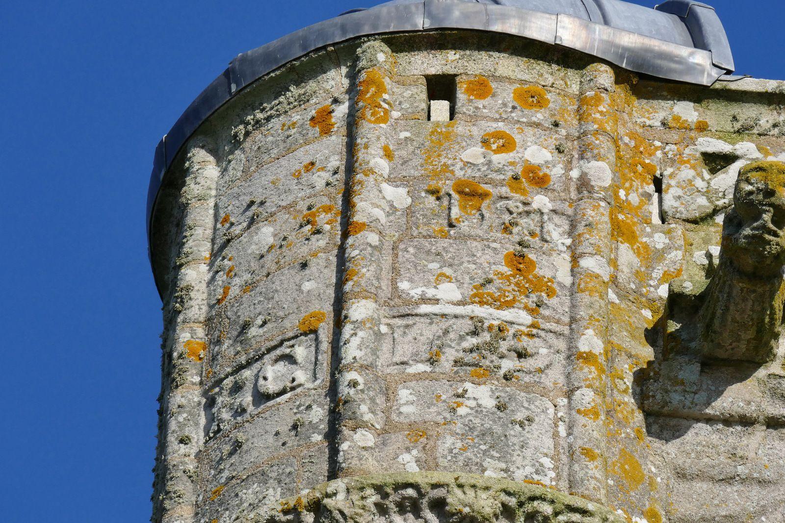 Tour de la chapelle Saint-Tugen en Primelin. Photographie lavieb-aile mars 2020.