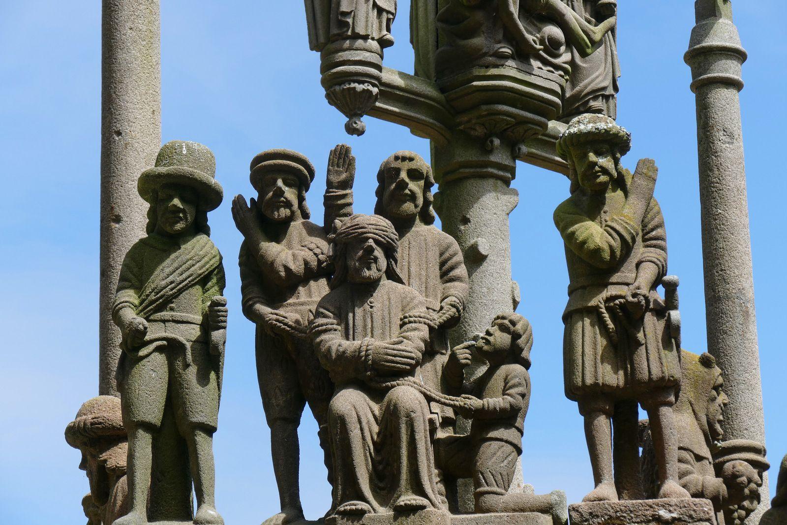 Calvaire monumental (kersantite, 1602-1604, Maître de Plougastel), Plougastel. Photographie lavieb-aile.