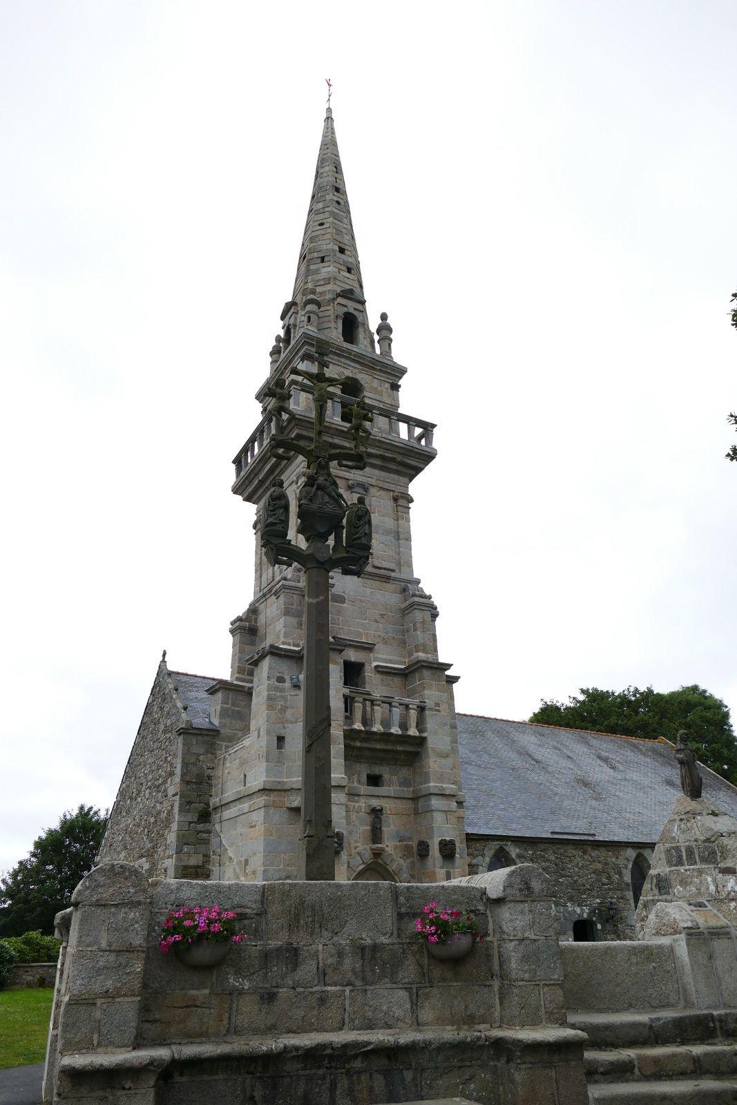 Calvaire (kersantite, 1527) de la chapelle de Locmaria-Lann à Plabennec. Photographie lavieb-aile.