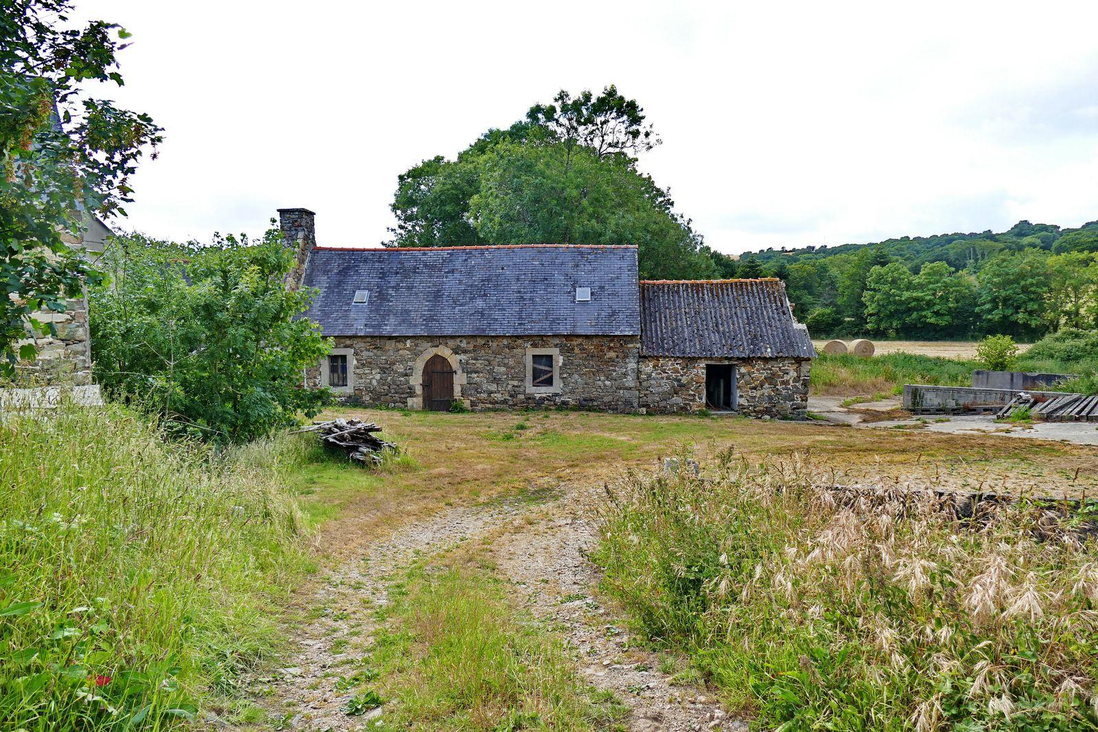 Le moulin de Ronvarc'h. Photographie lavieb-aile 6 juin 2020.