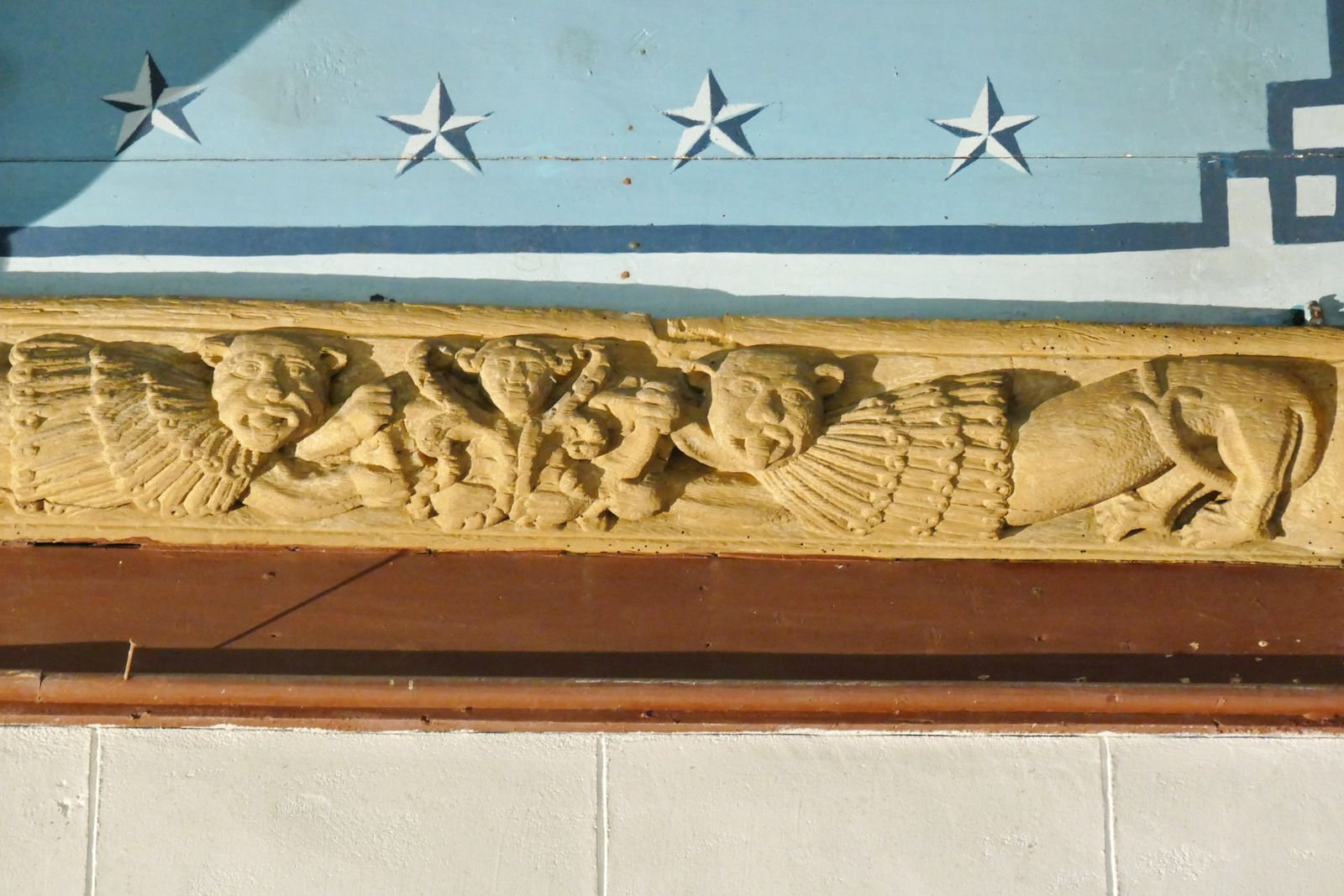 Sablières et blochets de la nef de l'église d'Esquibien. Photographie lavieb-aile juillet 2020.